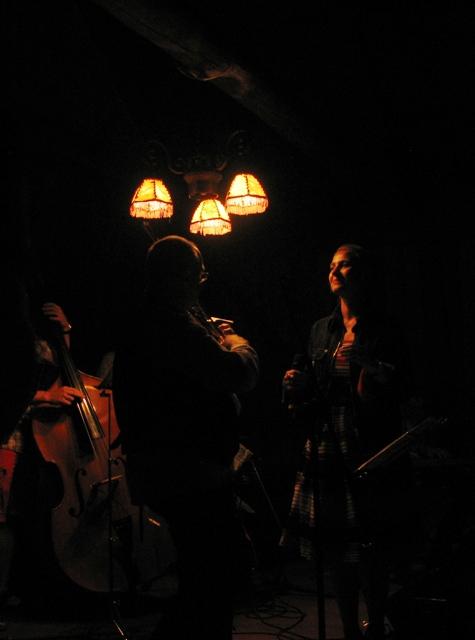 Gdy śpiewa Ania Szafranowska, kapela gra nie tylko dla publiczności.