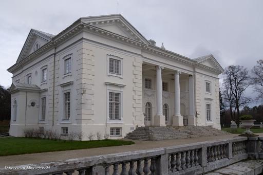 Neoklasycystyczny pałac hr. Tyszkiewiczów.