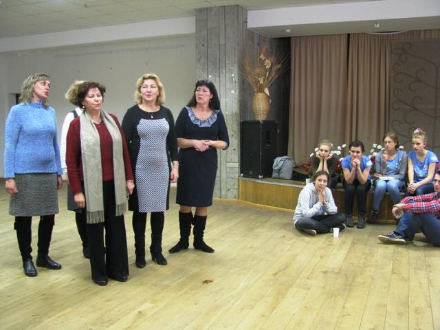 """Spotkanie z zespołem """"Troczanie"""", okazja do posłuchania polskich pieśni w melodyjnym, rzewnym wykonaniu."""
