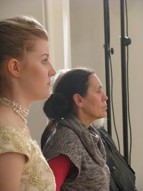 Na szczęście nad wszystkim czuwa pani Gosia oraz solistka (pierwszy plan) Justyna.