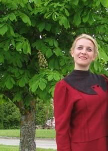 Ania Szafranowska w stroju suwalskim. Wyjazd ZPiT Suwalszczyzna na Łotwę, 2015 r.